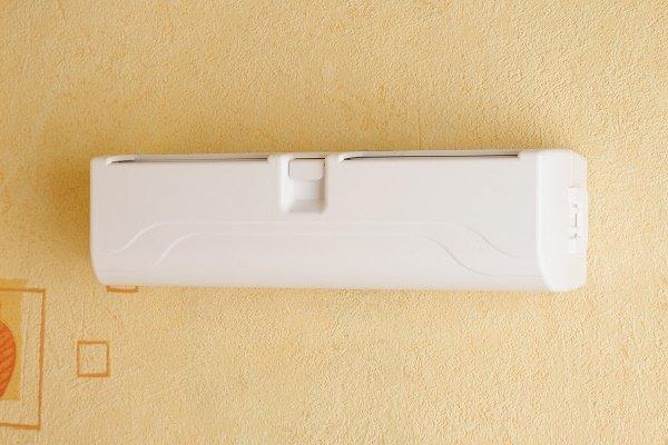 Шаг 7: Установка крышки приточного клапана