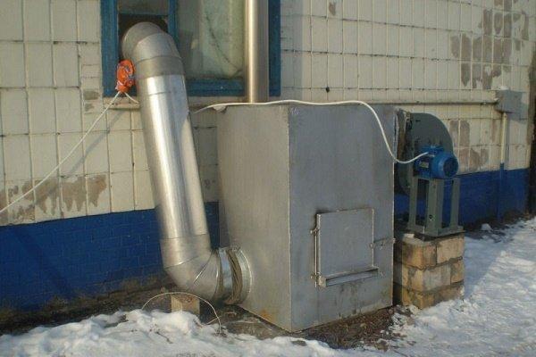 Газовый агрегат за пределами дома