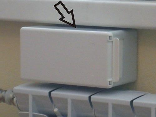 Установка приточных клапанов над батареей