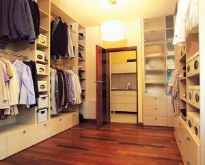 Вентиляция гардеробной необходима для лучшей сохранности вещей