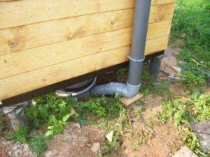 Организация системы вентиляции в дачном туалете