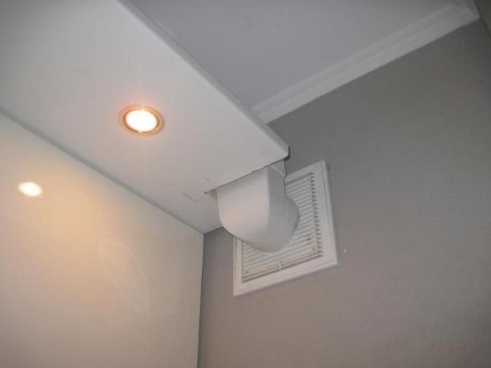 Воздуховод, скрытый в коробе из ПВХ