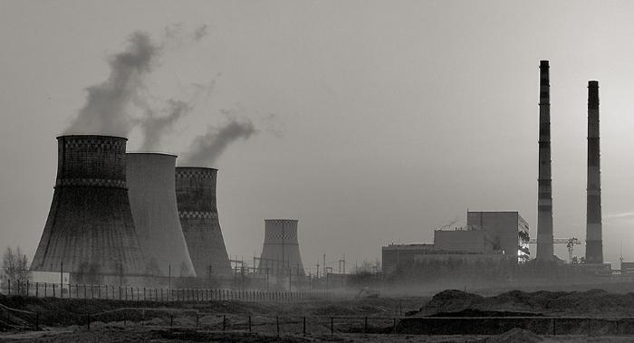 городской воздух загрязнен оксидом углерода и азота, формальдегидами и другими вредными веществами