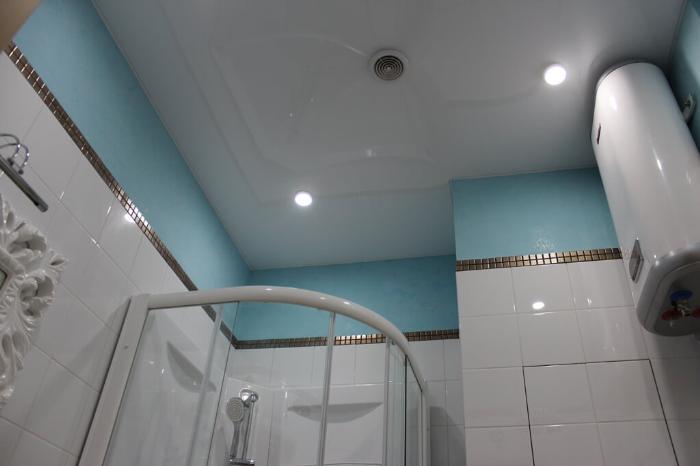 Вентилятор в натяжном потолке в ванной