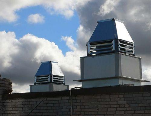 Вентиляторы, вынесенные на крышу