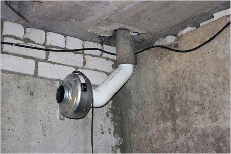На фотографии турбина для принудительной вентиляции гаража