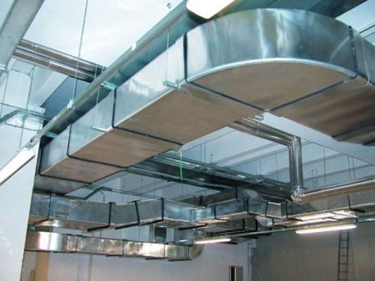 Установка воздуховодов для вентиляции