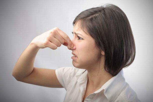 Устраняем неприятные запахи из вентиляции в туалете