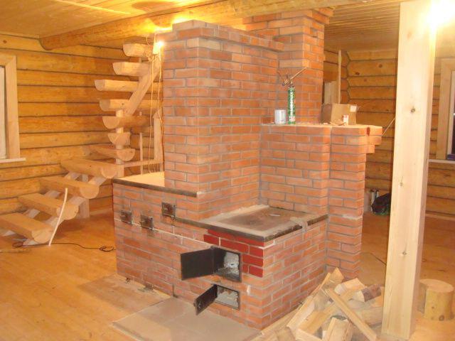 Деревянный дом и кирпичная печь - неразлучные спутники на протяжении многих веков