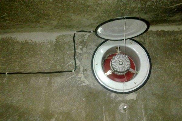 Вентилятор в приточном отверстие