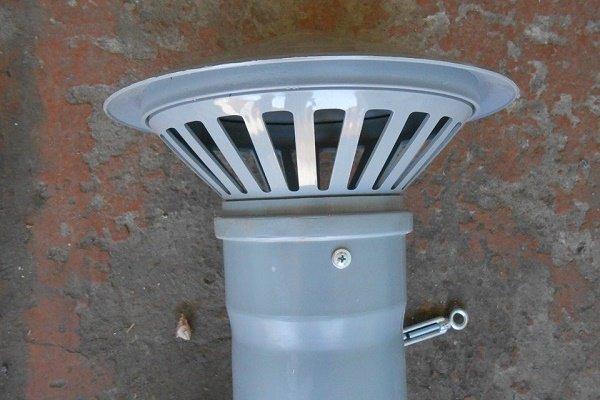 Шаг 2: Установка дефлектора для защиты от внешних воздействий