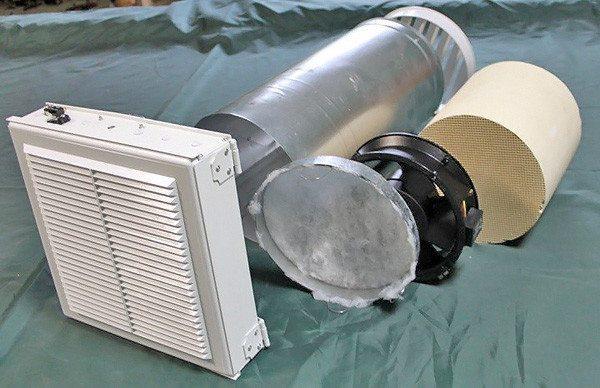 Приточный клапан для монтажа в стену.