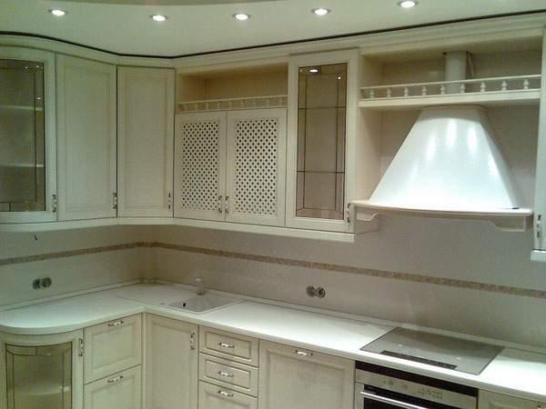 Пластиковая вентиляция кухни