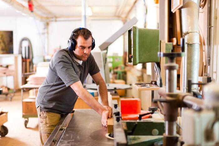 Важнейшим требованием к станкам для мастерской является безопасность эксплуатации