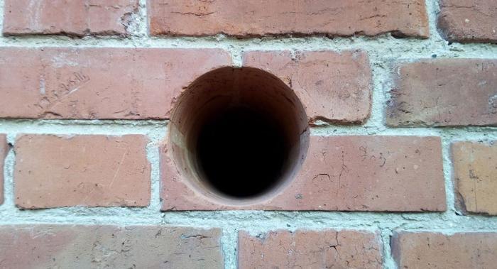 Как сделать вентиляцию в закрытом помещении ниже уровня земли