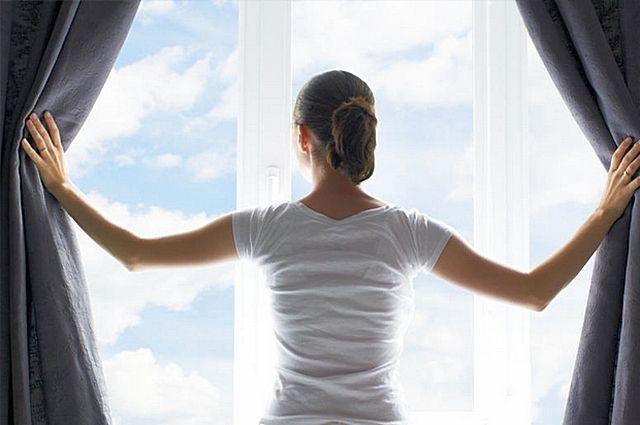 Эффективная вентиляция необходима уже из соображений поддержания в доме насыщенной кислородом, комфортной для свободного здорового дыхания атмосферы