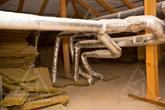Фото сети воздуховодов на чердаке загородного дома