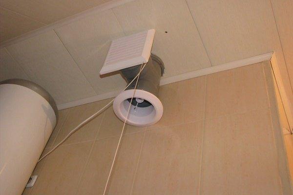 Вентилятор с вытяжкой в санузле