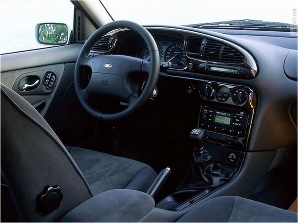 Салон Ford Mondeo 1