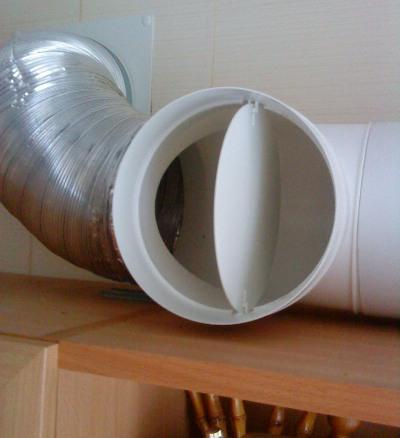 Обратный клапан в кухонной вытяжке