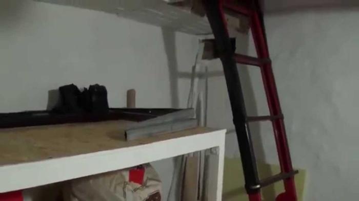 В сухом гараже овощная яма может успешно обслуживаться естественной вентиляцией