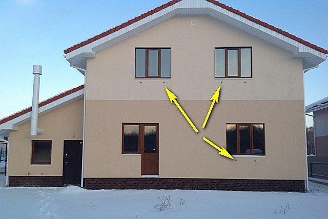 Наружные решетки принудительных приточных клапанов нисколько не портят внешнего вида фасада здания