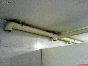 пример использования канализационных труб в качестве вытяжных вентканалов