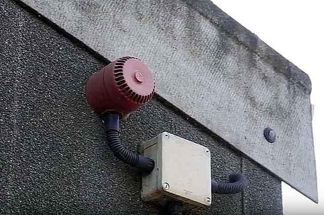 Вытяжная система устанавливается как можно ближе к крыше