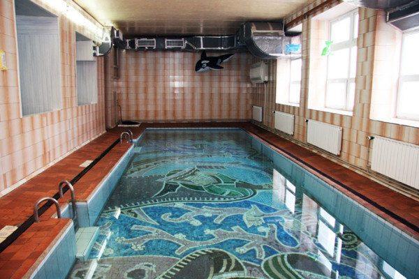 Правильная вентиляция бассейна в коттедже – важнейшее условие его нормальной эксплуатации.